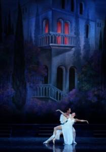 Romeo i Julia pod słynnym balkonem