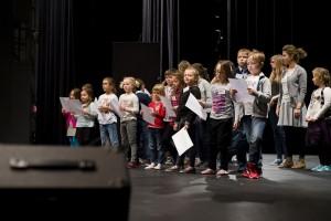 Dzieci podczas próby - materiał prasowy