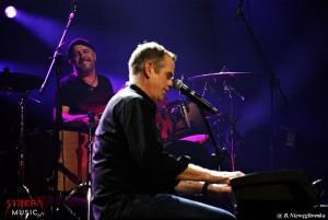 GAROU gra na keyboardzie - fot. Bernadetta Niewęgłowska
