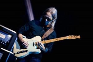 Tim Reynolds w gitarowym transie - fot. Jakub Janecki