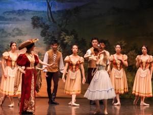 Rozmowa Giselle z Batyldą - fot. Roman Soroczyński