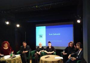 Od lewej: Gołda Tencer, Remigiusz Grzela, Magdalena Piekorz, Agata Biziuk, Łukasz Chotkowski, Dawid Szurmiej - fot. Roman Soroczyński