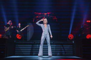 Céline Dion na scenie - materiał prasowy Prestige MJM
