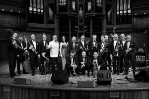 Glenn Miller Orchestra na scenie - fot. materiał prasowy