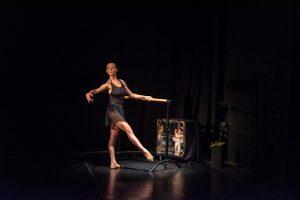 Ćwiczenia w szkole baletowej - fot. Piotr Leczkowski