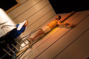 Jezus na krzyżu rozmawia z Głupionką - fot. Piotr Leczkowski