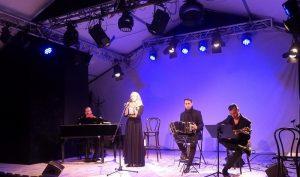 Olga Avigail & Tango Attack na scenie fot. Roman Soroczyński